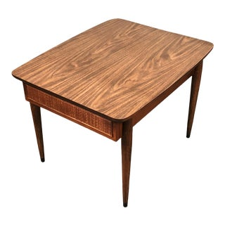 American of Martinsville Mid-Century Modern End Table / Nightstand. For Sale