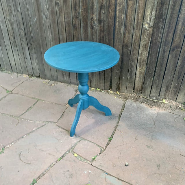 Chalk Transitional Teal Green Chalk Paint Round Pedestal Table For Sale - Image 7 of 13