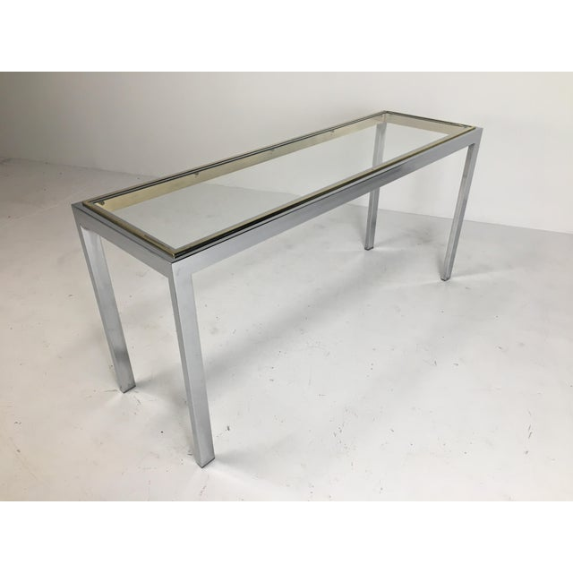 20th Century Minimalist Chrome and Glass Parsons Console Table With Brass Accents For Sale - Image 9 of 13