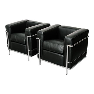 Pair of Le Corbusier Lc-2 Chairs for Cassina For Sale