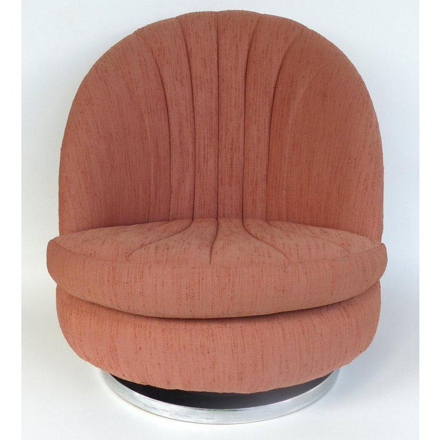 Offered for sale is a pair of swivel and tilting lounge chairs by Milo Baughman for Thayer Coggin. This rare pair of...