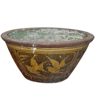 19th Century Southern Chinese Painted Ceramic Bathtub From Annan With Greek Key For Sale