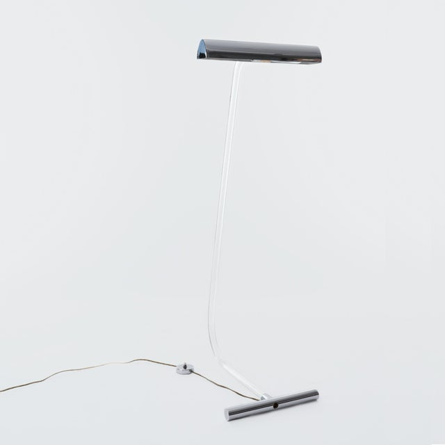 Floor lamp by designer Peter Hamburger for Knoll's 'Crylicord' series, produced in the 1970s. Delicate curved stem with...