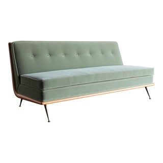 t.h. Robsjohn-Gibbings Sofa, Model 1727 for Widdicomb Circa 1955 For Sale