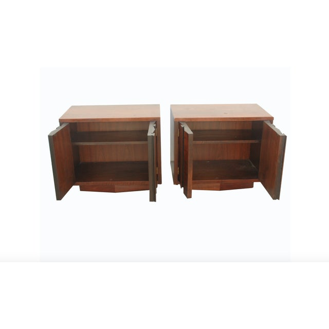 "Brutalist Lane Brutalist ""Prism"" Nightstands - Set of 2 For Sale - Image 3 of 4"