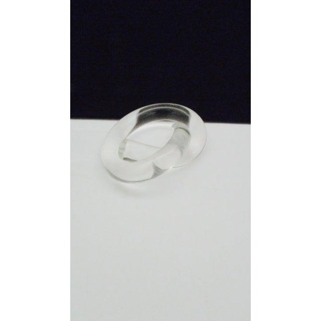 Acrylic Dorothy Thorpe Twisted Pretzel Shape Lucite Napkin Rings - Set of 6 For Sale - Image 7 of 8
