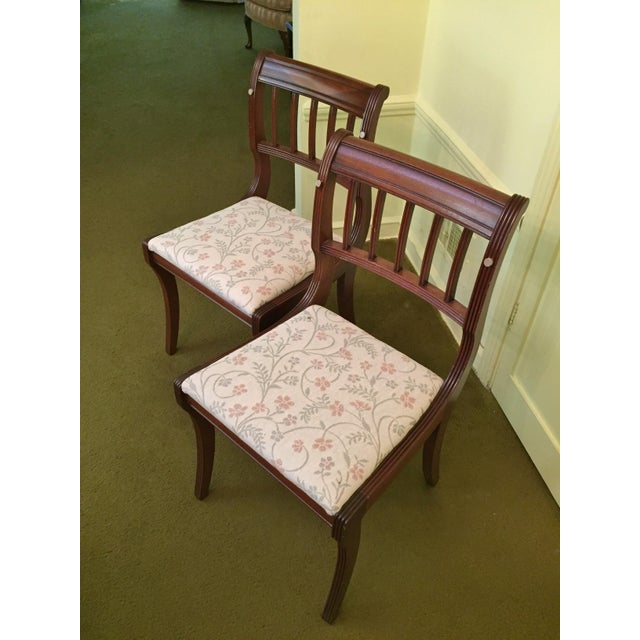 Henredon Heritage Regency Style Dining Table and Chairs - Set of 7 For Sale In Chicago - Image 6 of 7