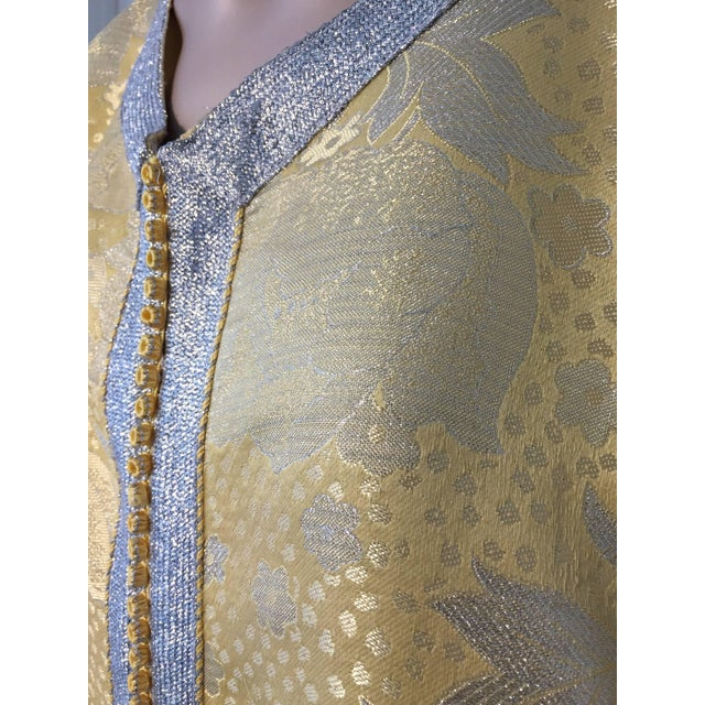 Metallic Gold and Silver Brocade 1970s Maxi Dress Caftan, Evening Gown Kaftan For Sale - Image 9 of 10