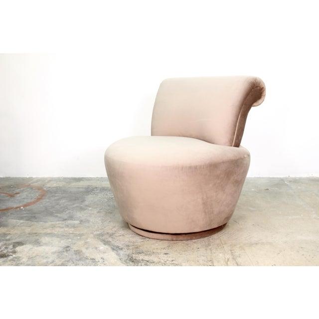 Vladimir Kagan 1970s Vintage Vladimir Kagan Swivel Chairs- A Pair For Sale - Image 4 of 5