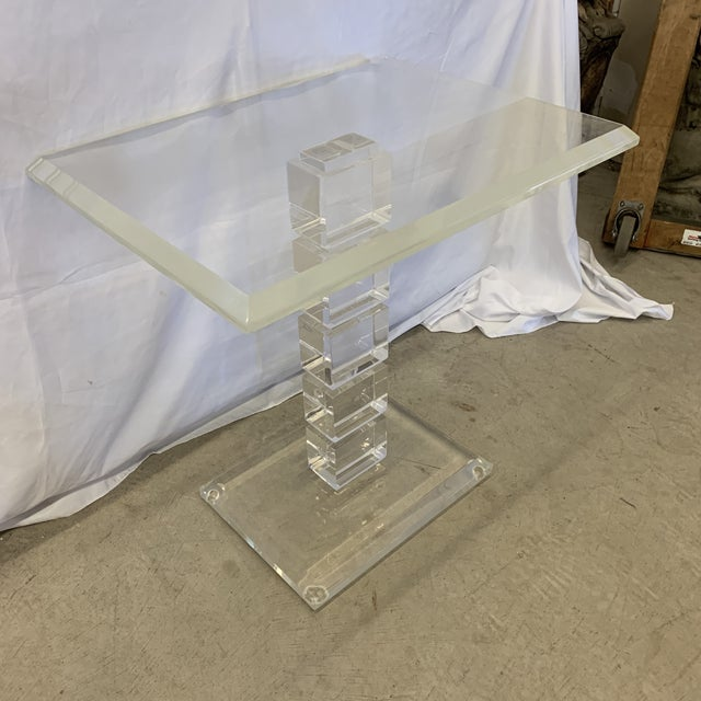 Hollywood Regency Vintage Lucite Side Table For Sale - Image 3 of 11