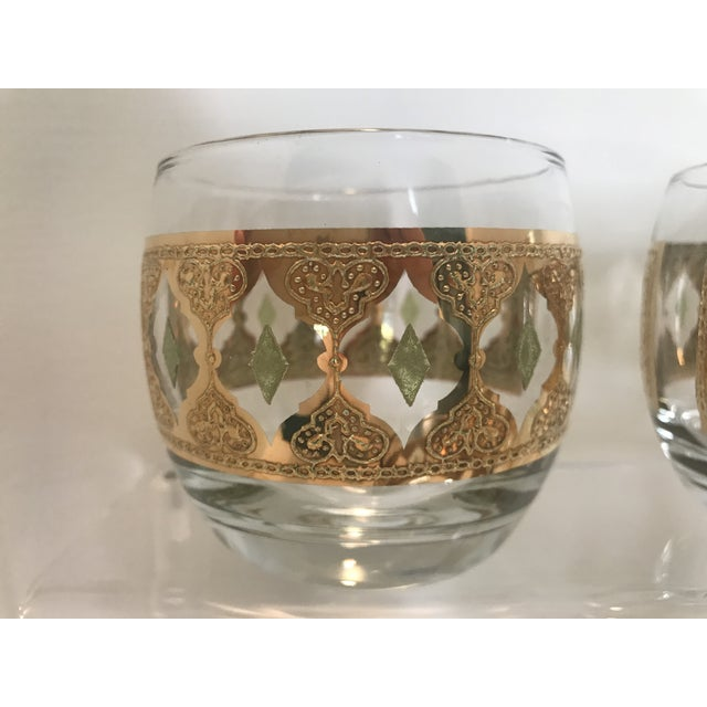 Hollywood Regency 1950s Culver Valencia Green and 22k Gold Roly Poly Cocktail Glasses - Set of 4 For Sale - Image 3 of 10