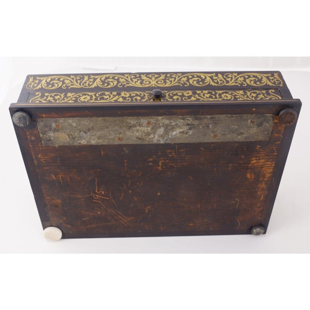 French Circa 1880 Italian Napoleon III Inlaid Brass and Lacquered Mahogany Inkwell For Sale - Image 3 of 7