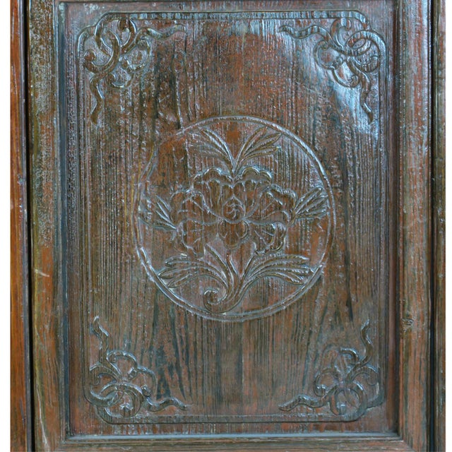 Early 20th Century Antique Chinese Carved Courtyard Doors For Sale - Image 9 of 13