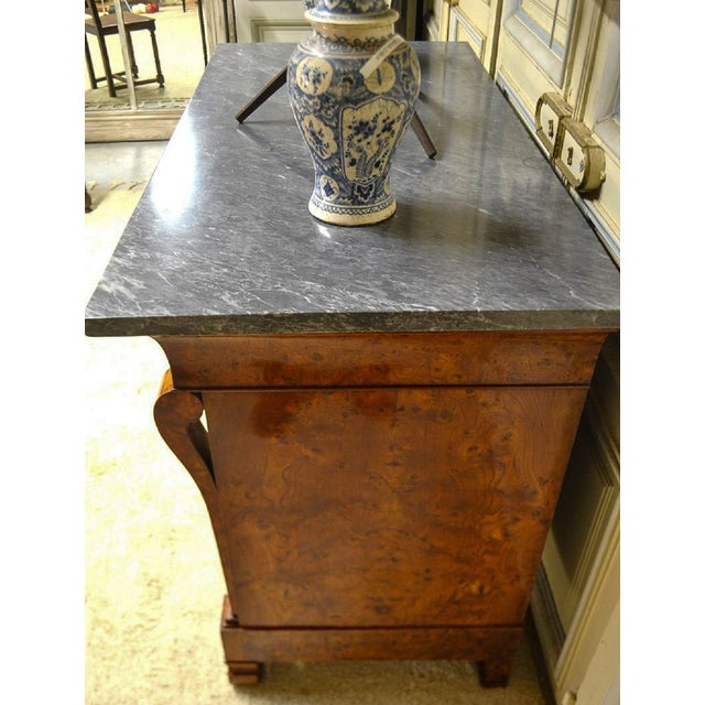 Traditional Restauration Period Burl Elm 4 Drawer Commode For Sale - Image 3 of 7