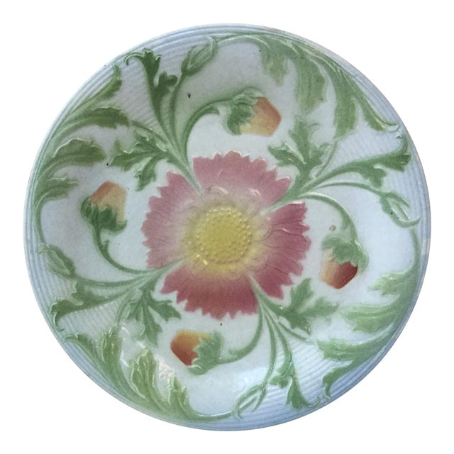 1900 French Majolica Daisy Saint Clement Plate For Sale