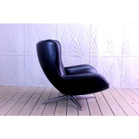 Mid-Century Modern 1960s Mid-Century Modern Illum Wikkelso Lounge Chair and Ottoman - 2 Pieces For Sale - Image 3 of 6