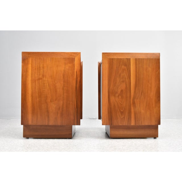 Merton L. Gershun Mid-Century Nightstands by Dillingham - a Pair For Sale - Image 4 of 13