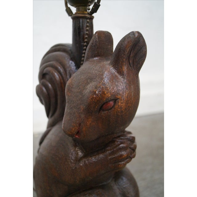 Romweber Rare Oak Carved Squirrel Table Lamp - Image 6 of 10