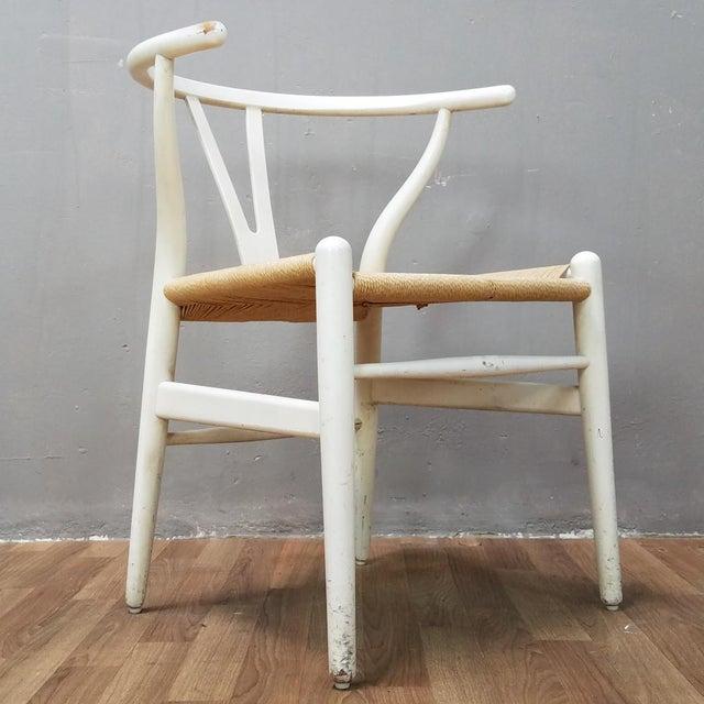 Carl Hansen Mid-Century Danish Hans Wegner Wishbone Chairs - A Pair For Sale - Image 4 of 13