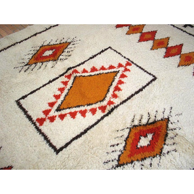 Ivory Moroccan Patterned Rug - 6′8″ × 10′ For Sale - Image 4 of 4