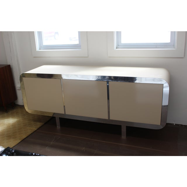 Mid Century Modern Laminate Lacquered Credenza For Sale - Image 7 of 11