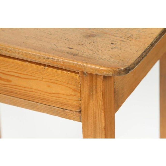 Antique 19th Century English Pine Side Table - Image 4 of 7