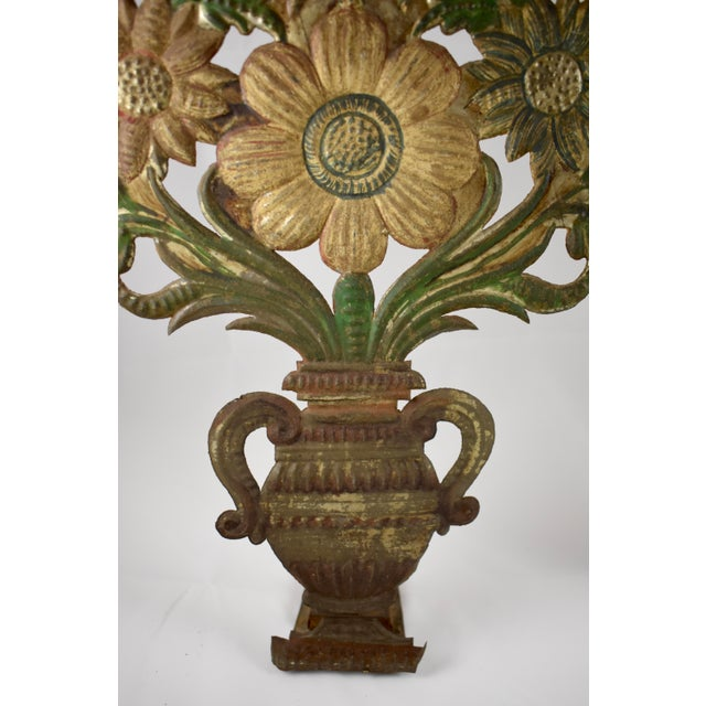Continental Tôle Peinte Bouquets in Urns - a Pair For Sale - Image 4 of 11