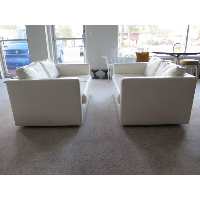 Contemporary Pair of Classic Minimalist Milo Baughman Settees For Sale - Image 3 of 9