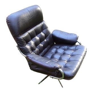 Mid-Century Modern Swivel Chair For Sale