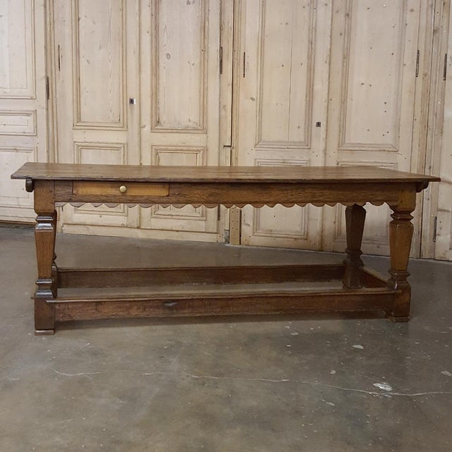 19th Century Hand-Crafted Oak Drapery Table With Scalloped Apron, Circa 1850s For Sale - Image 4 of 10