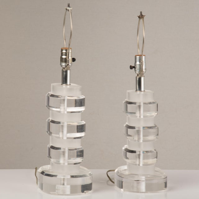 Mid-Century Modern 1970s Mid-Century Modern Lucite Lamps - a Pair For Sale - Image 3 of 13