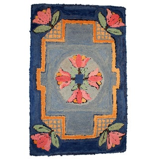 1940s Handmade Antique American Hooked Rug - 2' X 3' For Sale