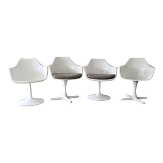 Vintage Saarinen Style Fiberglass Shell Swivel Chairs - Set of 4 For Sale