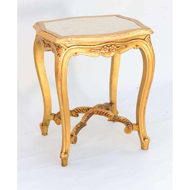 Carved Giltwood Accent Table With Mirrored Top For Sale - Image 4 of 10