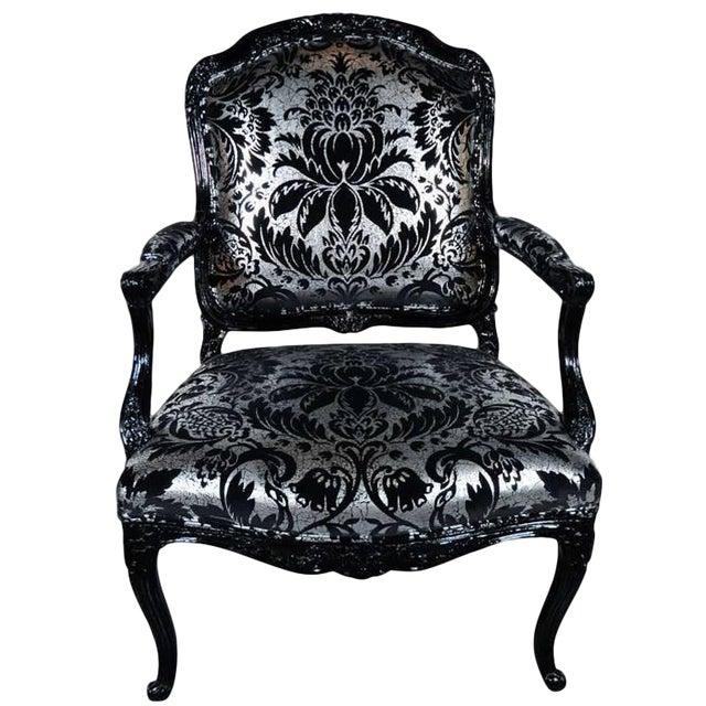 Hollywood Regency Bergere Chair in Embossed Velvet & Black Lacquer For Sale