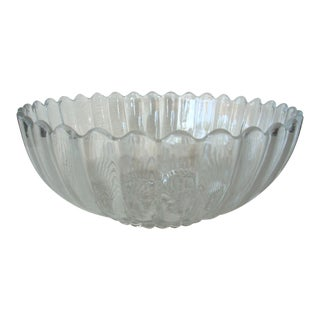 1960s Colonial Pattern Scalloped Glass Heisey Bowl For Sale