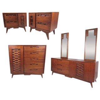 Mid-Century Walnut Bedroom Suite With Sculpted Front Detail For Sale