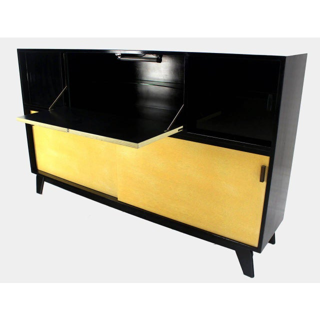 Mid-Century Modern Credenza Black Lacquer Gredenza Bar Liquor Cabinet For Sale In New York - Image 6 of 8