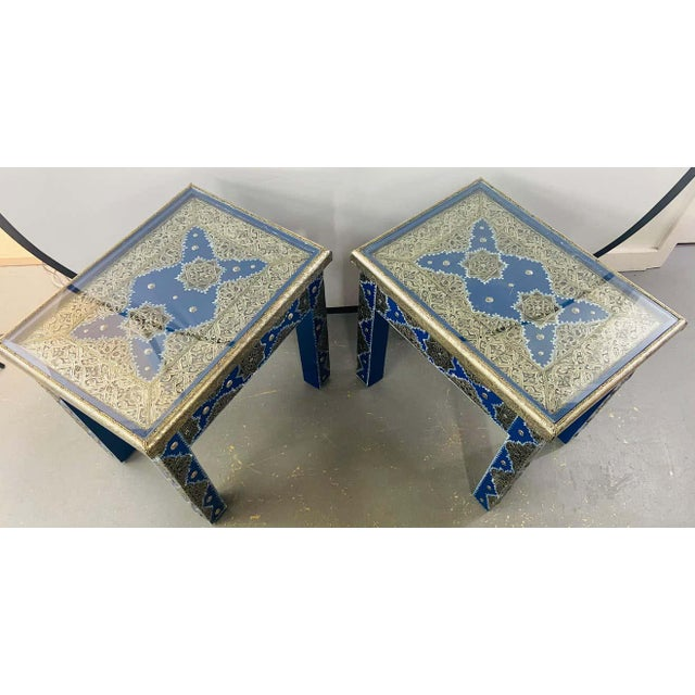 1990s Hollywood Regency Style Moroccan Brass Blue Rectangular Side or End Table, Pair For Sale - Image 5 of 13