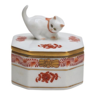 Herend Porcelain Octagonal Kitten Box For Sale