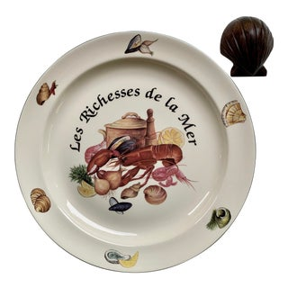 "Vintage Royal Vale 'Les Richnesses De Le Mer' 13"" Serving Platter & Hand-Carved Mahogany Clam Shell Napkin Weight For Sale"