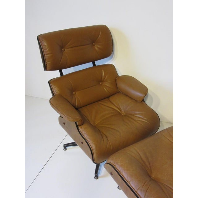 Selig Swiveling Leather Lounge Chair and Ottoman For Sale In Cincinnati - Image 6 of 10