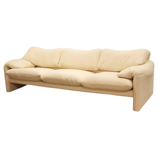 Mid-Century Modern Atelier Intl Maralunga Sculptural Sofa by Magistretti for Cassina For Sale