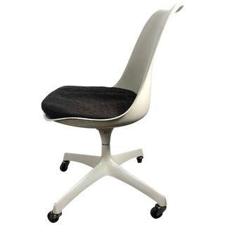 1950s Vintage Eero Saarinen for Knoll Tilt Swivel Tulip Desk Chair For Sale