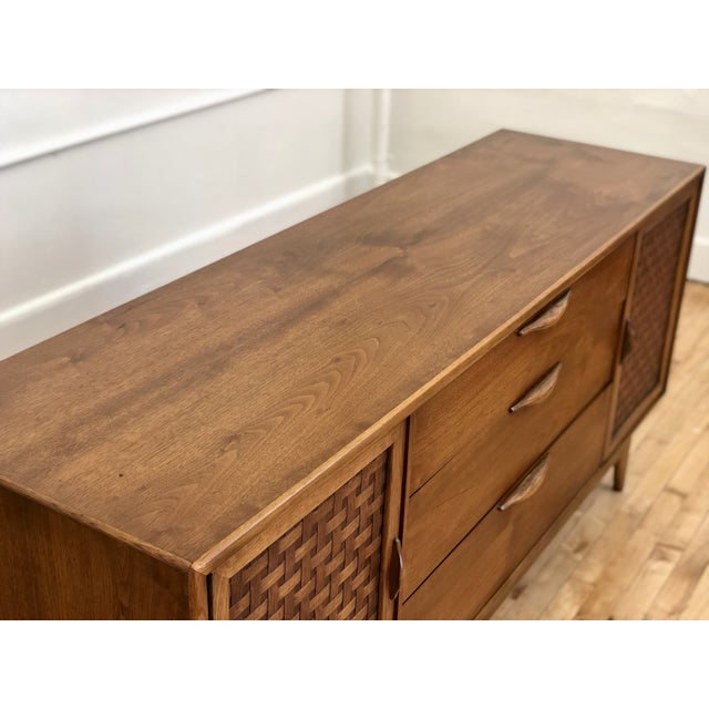 Mid Century Modern Lane Perception Compact Double Bank Sideboard Buffet Credenza - Danish Style Walnut Woven Door Lowboy Dresser For Sale In Milwaukee - Image 6 of 9