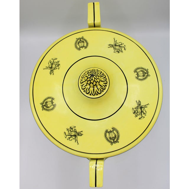 Canary Yellow Large Mid 20th Century Italian Mottahedeh Yellow Handled Urn With Artichoke Lid For Sale - Image 8 of 13