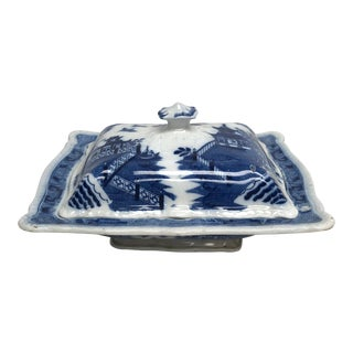 19th Century English Blue & White Covered Vegetable Dish For Sale