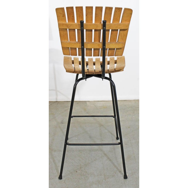 Set of 3 Mid-Century Danish Modern Arthur Umanoff Style Swivel Slat Bar Stools For Sale In Philadelphia - Image 6 of 11