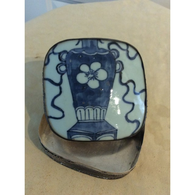 Asian Mid 19th Century Antique Chinese Blue and White Paktong Snuff Box For Sale - Image 3 of 8