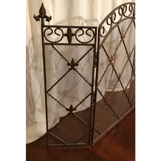Antique French Wrought Iron Arched Fleur De Lis Folding Three Panel Fireplace Screen For Sale - Image 4 of 9